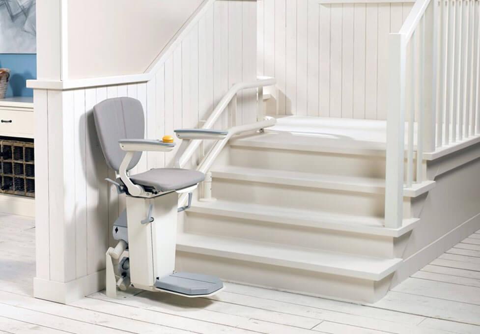 Leichter Treppen überwinden mit einem Treppenlift