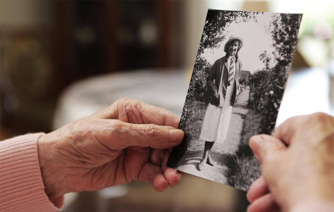 Bei Alzheimer ist meist das Kurzzeitgedächtnis betroffen