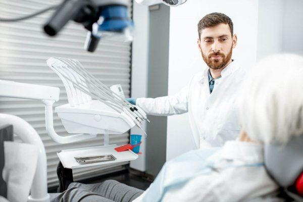 Zahnpflege bei pflegebedürftigen und kranken Menschen