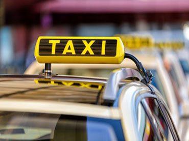 Taxifahrt zur Dialyse – Wer übernimmt die Fahrkosten?