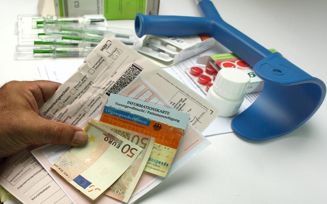 Geld sparen mit Zuzahlungsbefreiung für Medikamente + Hilfsmittel