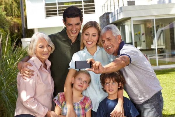 Das zusammenleben mehrerer Generationen in einem Haus ist heute nicht mehr so häufig