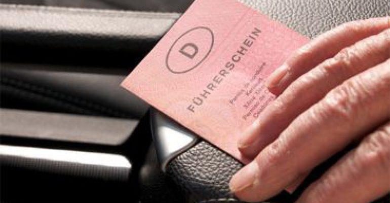 Autofahren trotz Pflegestufe/Pflegegrad – Was Sie beachten sollten