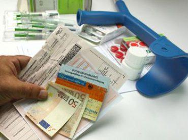 Geld sparen mit der Zuzahlungsbefreiung für Medikamente und Hilfsmittel
