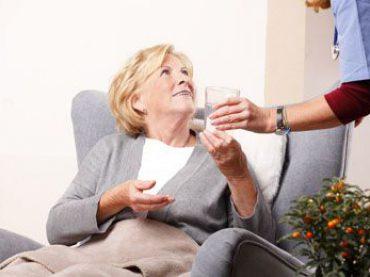 Tagespflege: So überbrücken Sie Urlaub und Krankheit Ihrer 24h-Pflegekraft