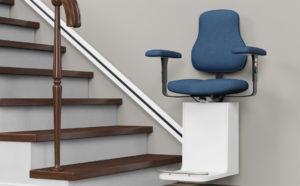 Treppenlifte bieten Sicherheit beim Überwinden von Treppen