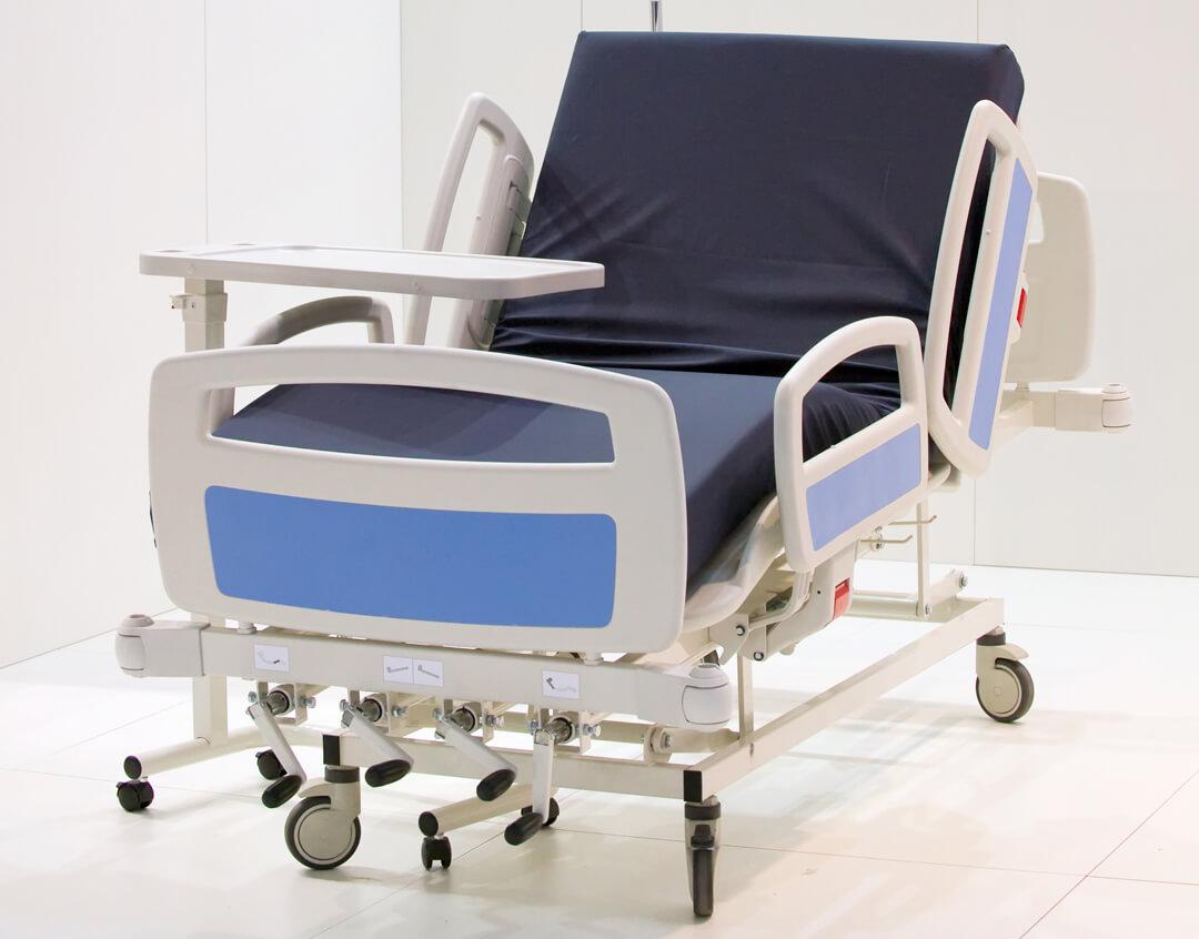 Pflegebett mit verschiedenen Lagerungsmöglichkeiten