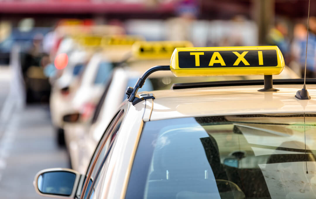 Unter bestimmten Bedingungen erhalten Sie die Kosten einer Taxifahrt von der Kasse bezahlt.