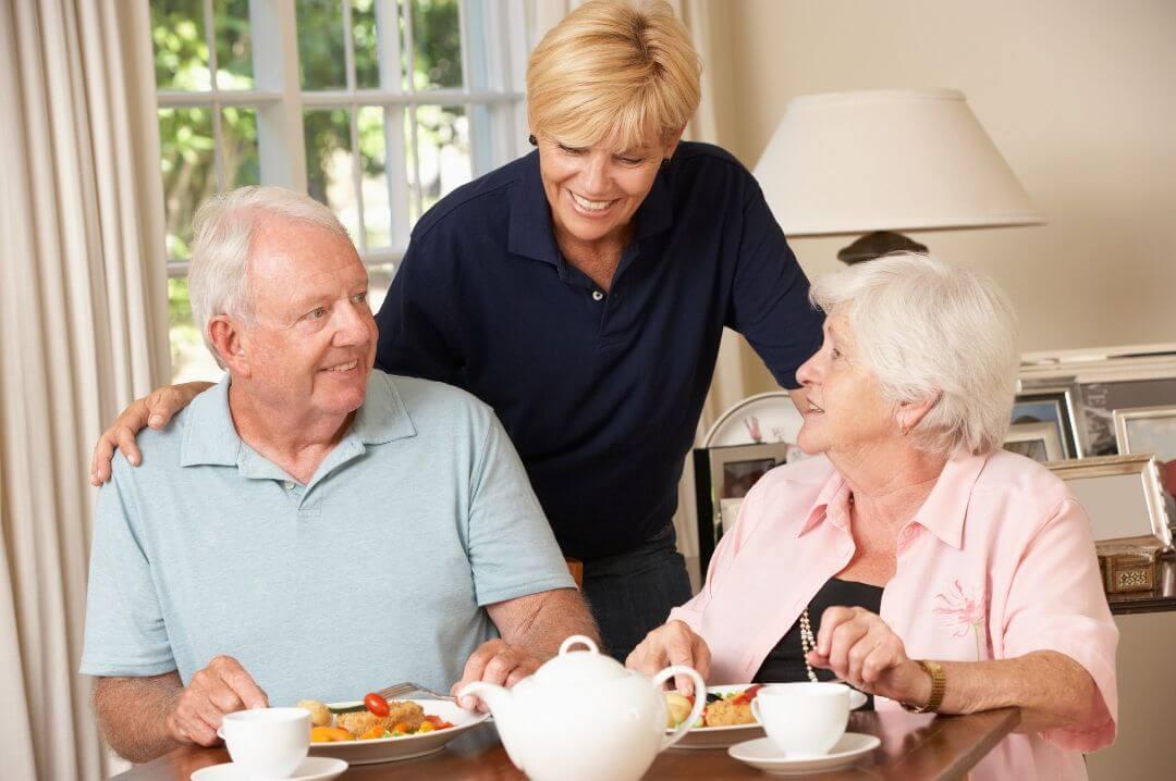 Unfallversicherung für ältere Menschen und pflegende Angehörige