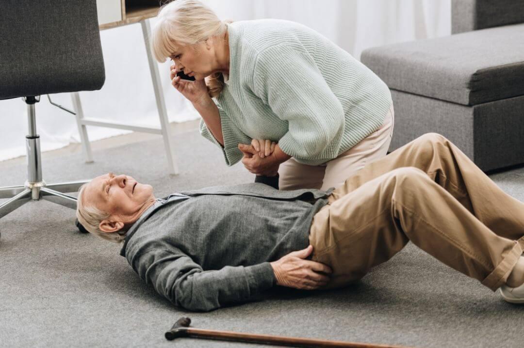 Unfallversicherungen für Senioren bieten Assistenzleistungen, was gerade bei Pflegebedürftigkeit wichtig ist.