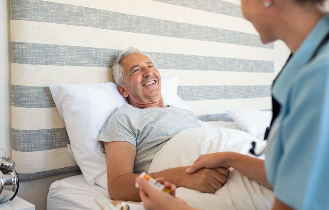 Häusliche Pflege - die Pflege durch nahe Angehörige, Freunde oder Bekannte.