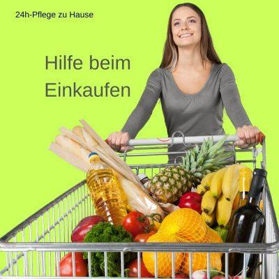 24h-Pflegekraft hilft beim Einkaufen