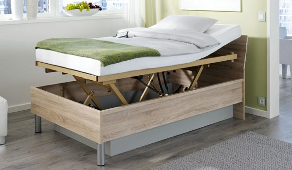Höhenverstellbares Seniorenpflegebett