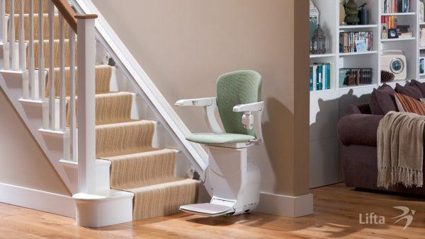 Treppenlift - Sitzlift: Verhindert Stürze. Wieder von einem Stockwerk ins andere bewegen können.